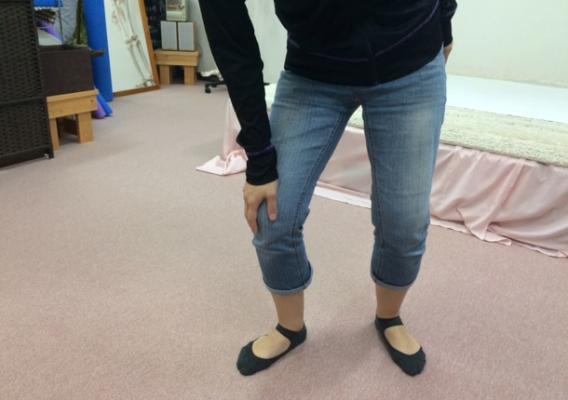 産後のひざ痛イメージ図