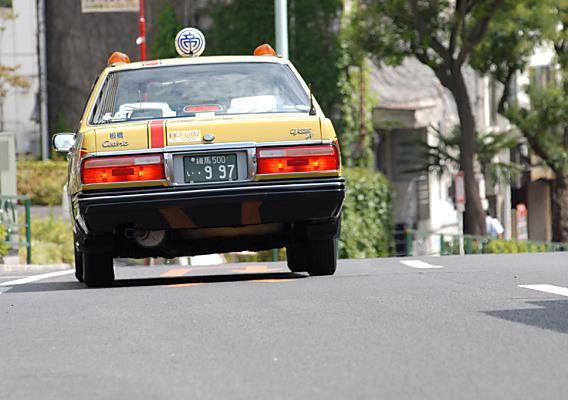 『寝違い、ぎっくり腰の痛み』で整体治療されたタクシー運転手